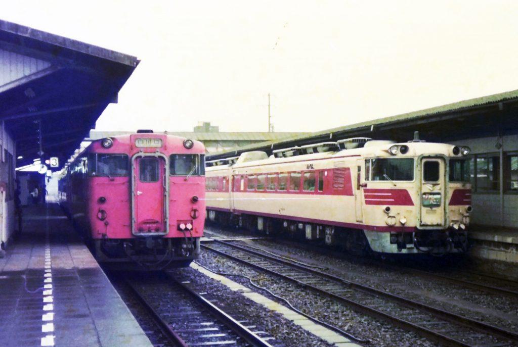 美濃太田駅の特急ひだ